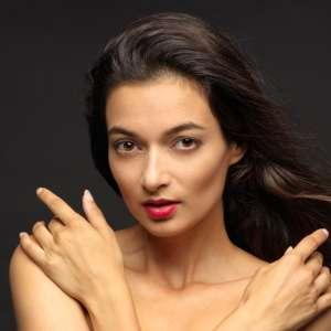 Naya Model