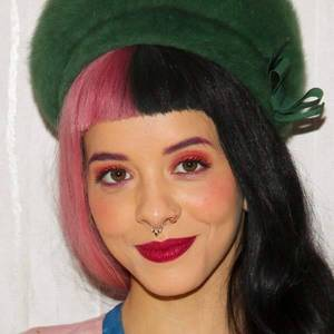 Melanie Martinez (singer)